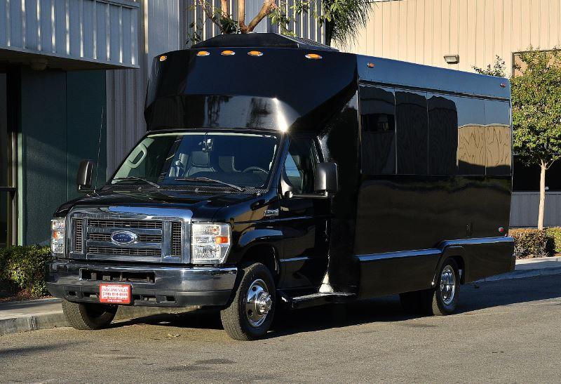 Oakland 25 Passenger Party Bus
